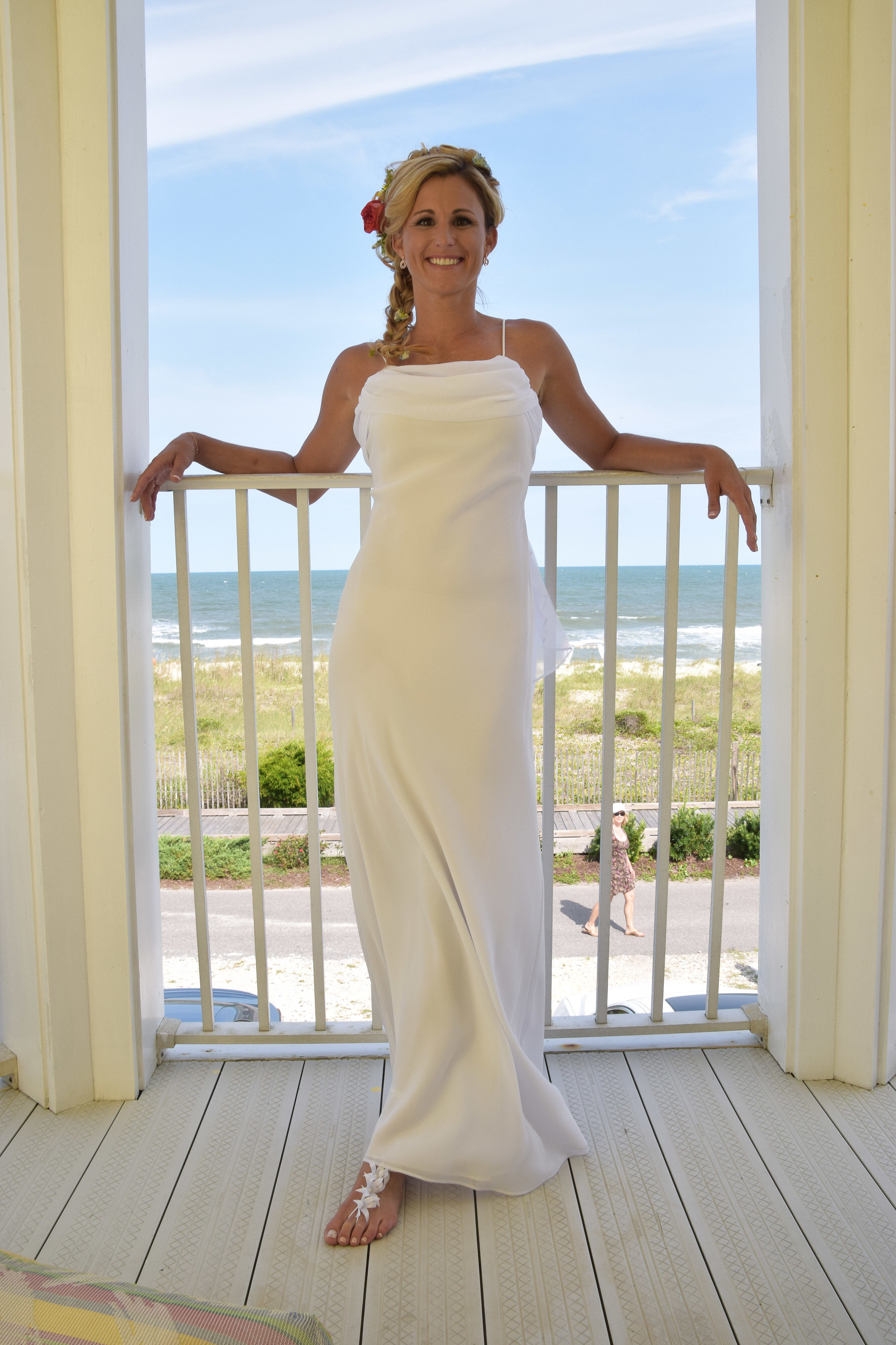 Bride casually posing before wedding.