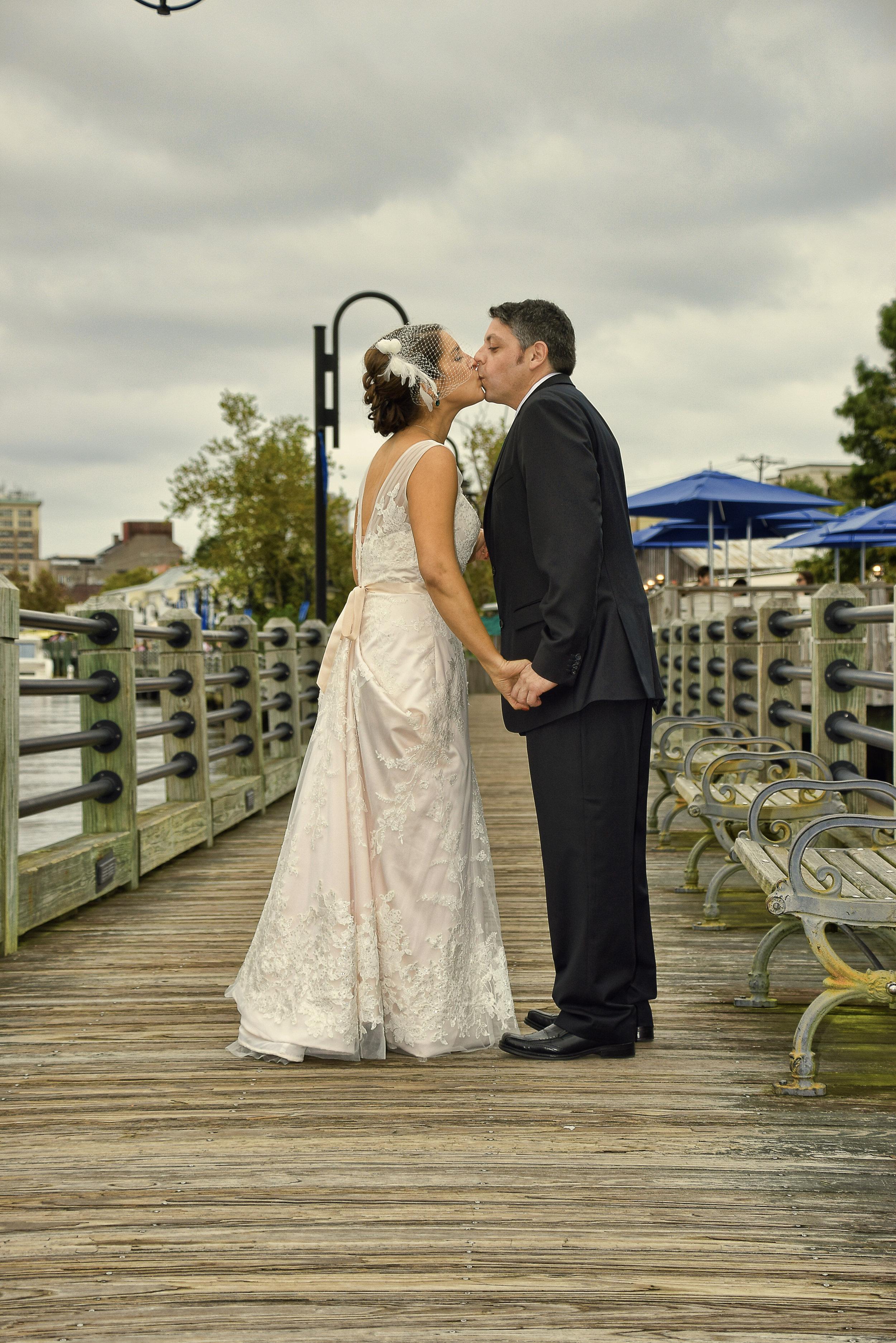 Riverwalk kiss.