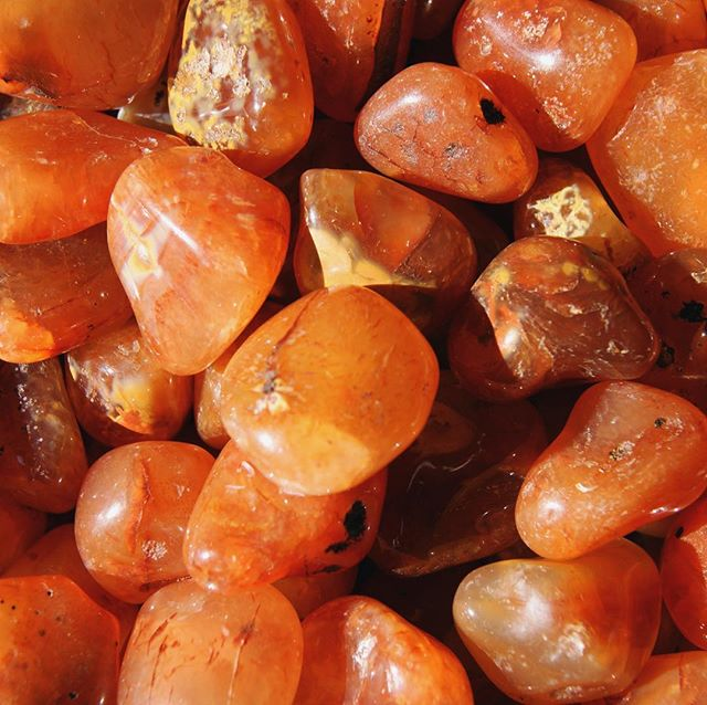 April is here and our #stoneofthemonth is fiery #carnelian Great for balancing temper and bringing vitality ✨