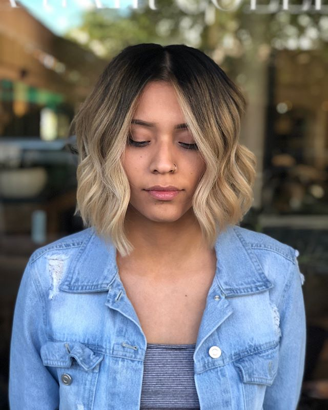 J E N // round one of making her my twin and I think it's safe to say we are on the right track. Full head of backcomb sliced for that blended blonde look ✨ . . . . . .  #hernameismel #meldoeshair #hair #lob #bob #bluntbob #hairtransformation #shorthair #blondehair #blendedblonde #blendedhaircolor #kemonculture #modernsalon #shorthairideas #blondehairinspo #hairinspo #hairideas #pinterestinspired #ointeresthair #livedincolor #sombre #ombre #maneinterest #chico #chicocalifornia #chicostylist #chicohair #chicostate