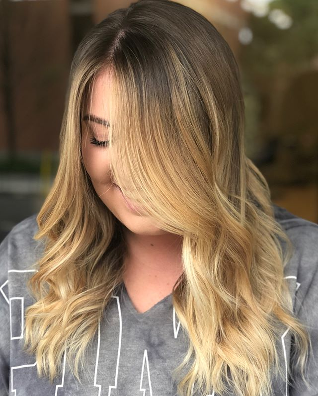 L A U R E N // she wanted a big change and to be noticeably blonde with a soft outgrowth. I'd say we achieved that thanks to @pulpriothair clay lightener ✨ . . . . . .  #hernameismel #meldoeshair #hair #balayage #beforeandafter #balayageblonde #moneypiece #sombre #ombre #hairhairstylist #pulpriot #modersalon #mastersofbalayage #blondebalayage #chico #chicostate #chicocalifornia #chicohairstylist #chicosalon #two22salon #northerncalifornia