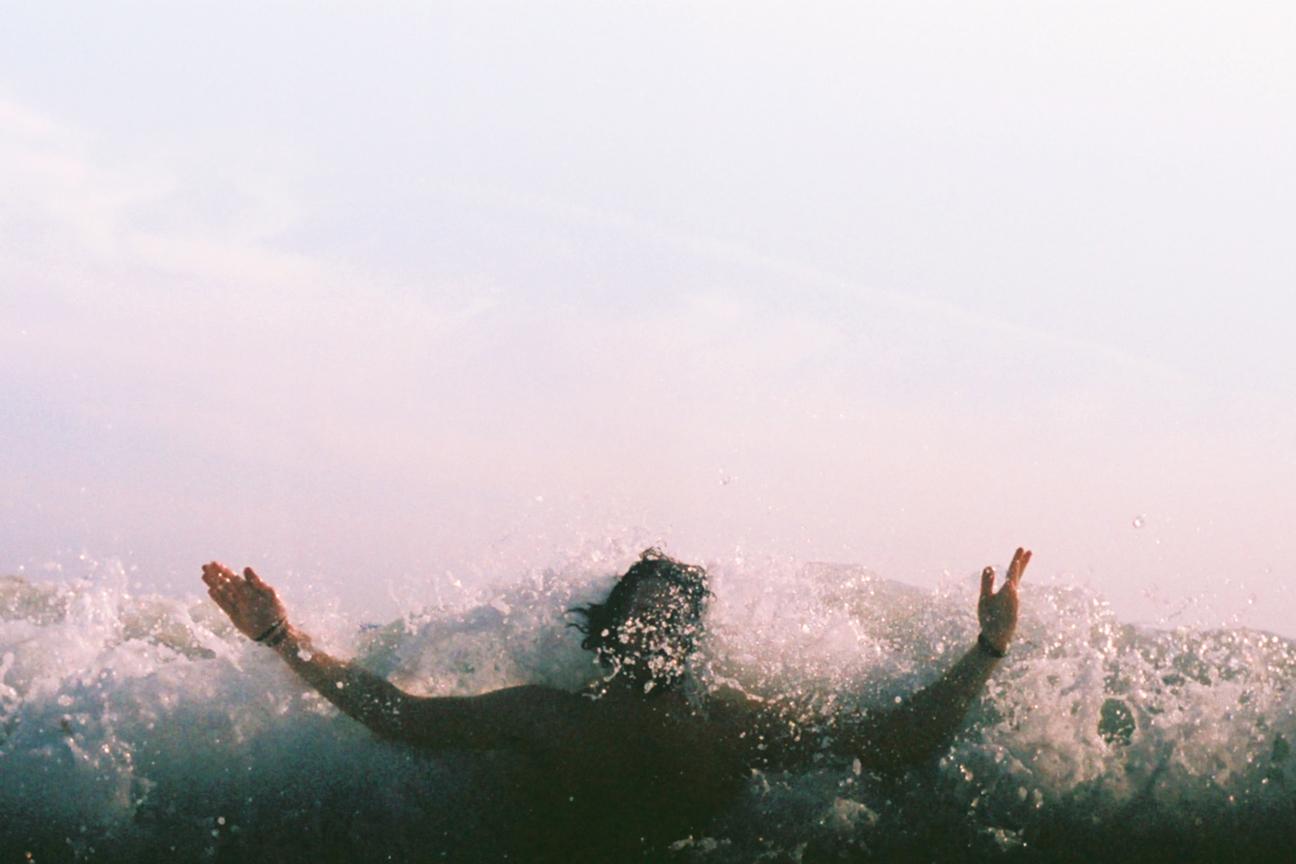 Stewart Cole in a wave_ss.jpg