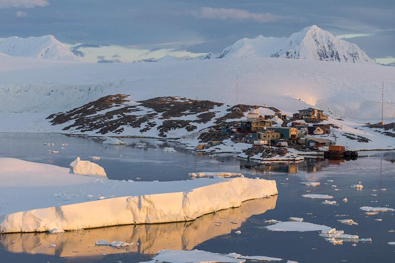 Mt. William & Palmer U.S. Research Station. Anvers Island, Antarctica
