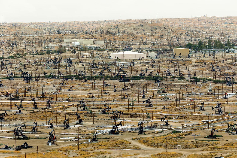 Oildale Oilfield. Bakersfield, CA. Study #1 (35,24.6360N 118,58.6367W)