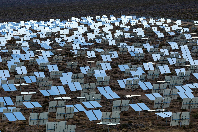 Ivanpah Thermal Solar Plant, CA. Study #18 (35,34.4762N 115,29.6512W)