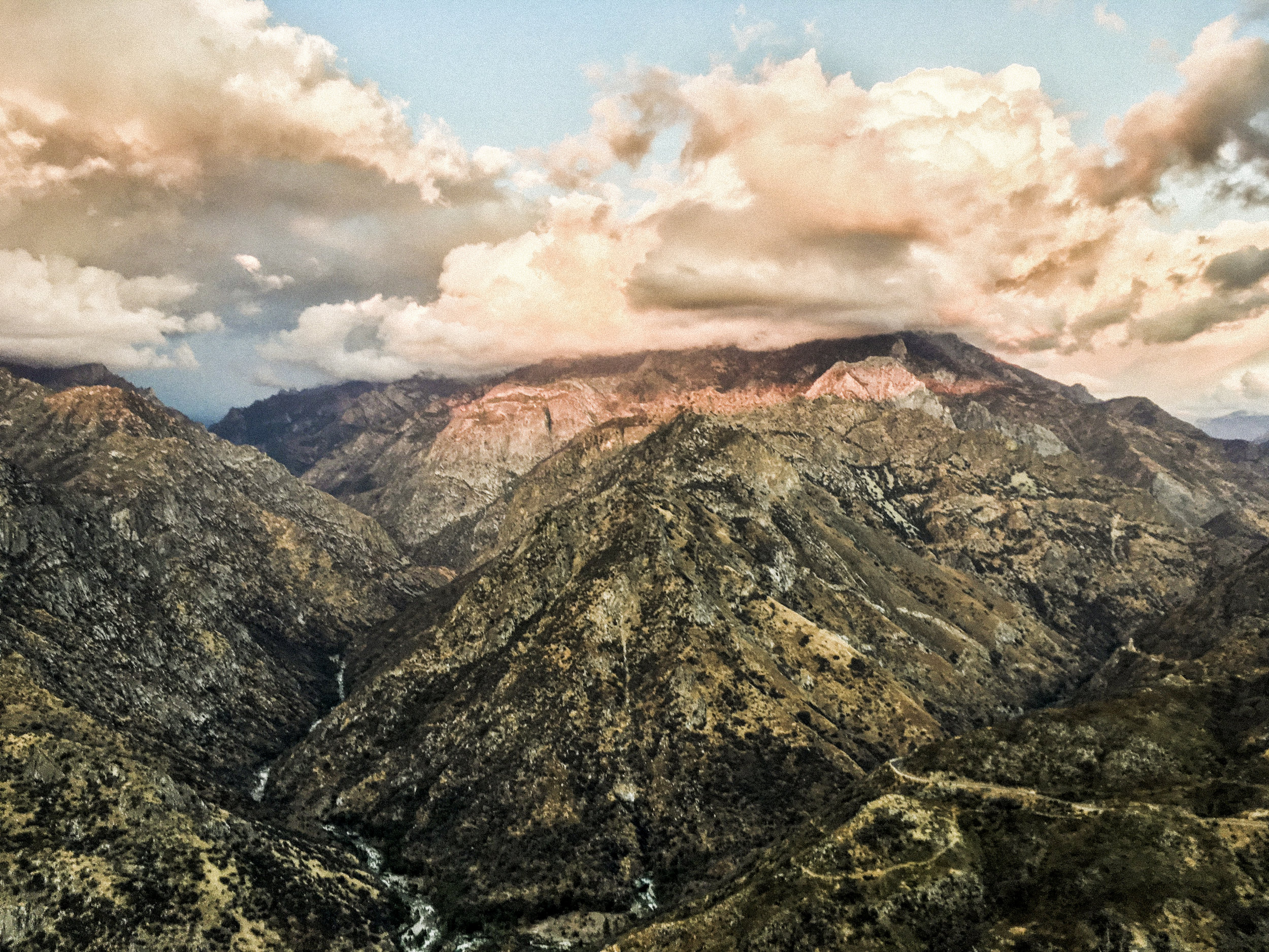 california_adventure_roberto_flores_buck_09.jpg