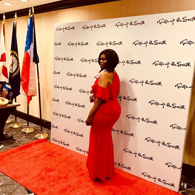 A red gown will always say effortless stunt, and thanks to @renttherunway DC for helping me pull off this look! TasteofTheSouthDC was an absolute ball