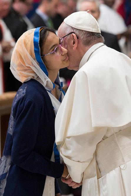 praying-with-pope-francis_v16_445x667.jpg