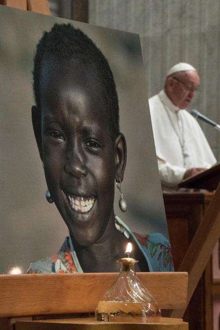 praying-with-pope-francis_v14_445x667.jpg
