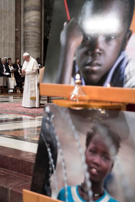 praying-with-pope-francis_v7_445x667.jpg