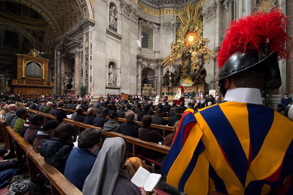 praying-with-pope-francis_v11_1000x667.jpg