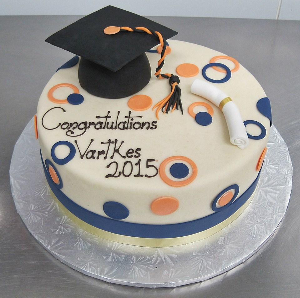 Graduation Cake 4.jpg