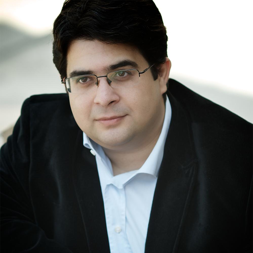 Gábor Farkas  (2015, piano)