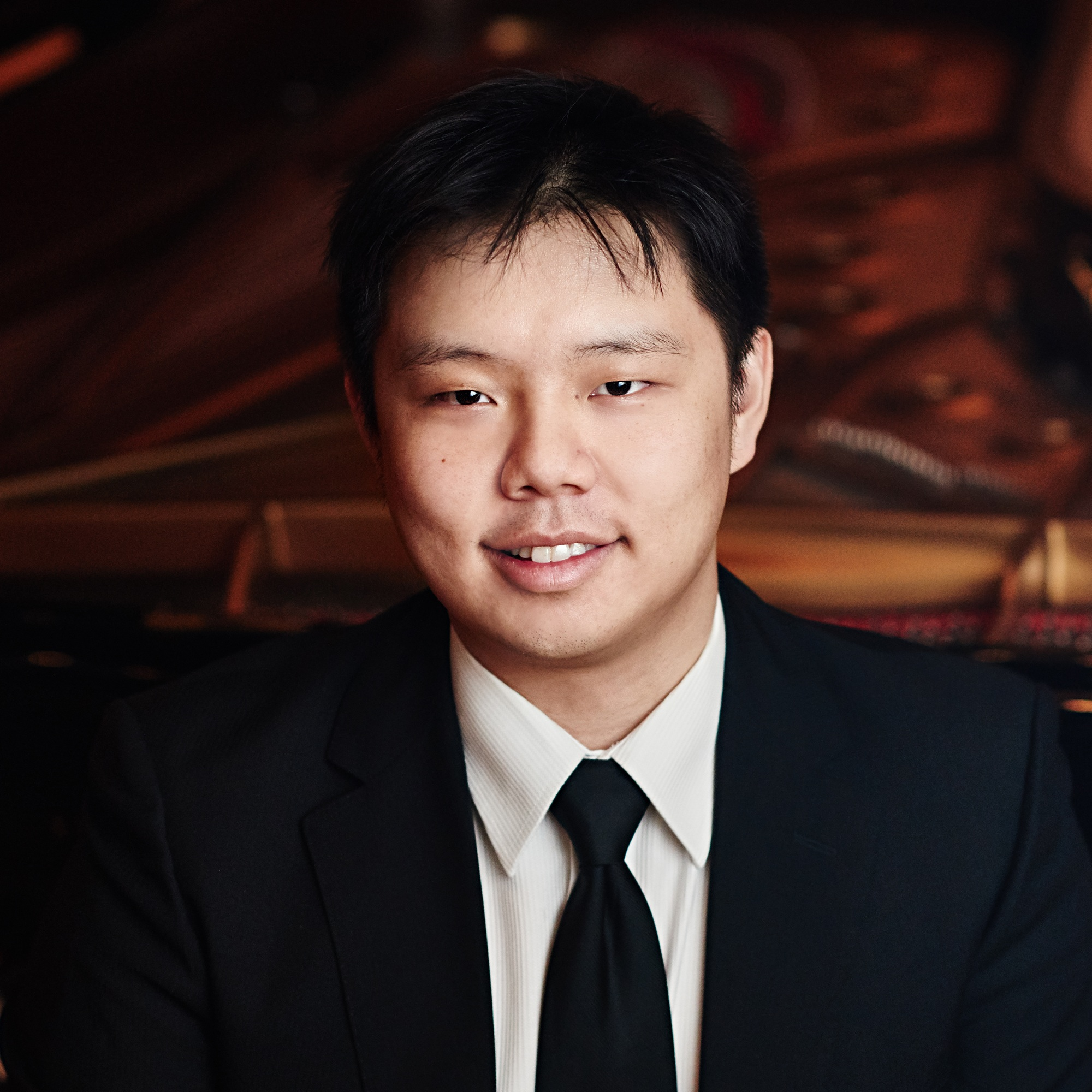 Larry Weng  (2019, piano)