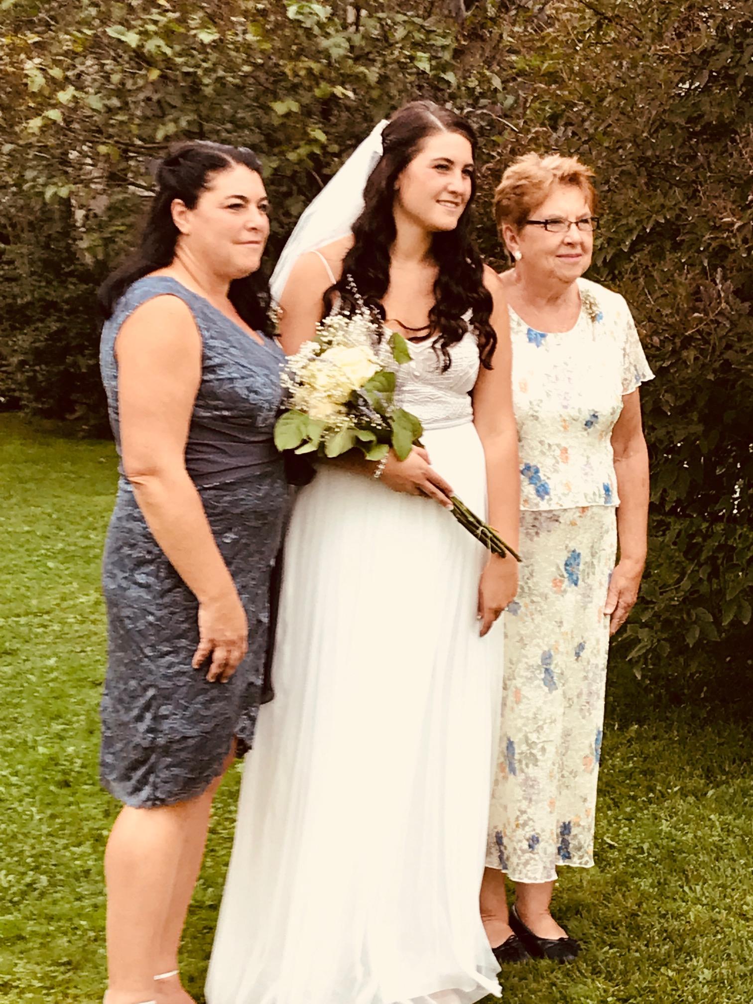 Sister Robin, Niece Taylor, Mother Linda