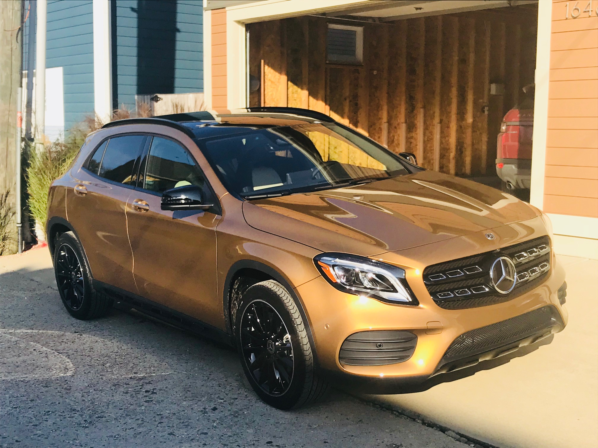 Say hello to Pfennig [Penny in German], my new 2018 Mercedes GLA250 4matic with all the bells and whistles. I love her.