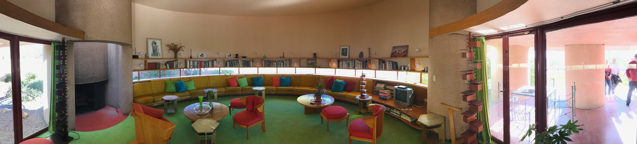 A surprise visit to a Frank Lloyd Wright house while at Taliesin!
