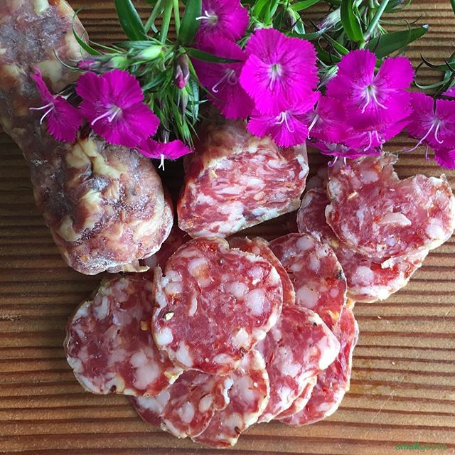 Colorado-based, Elevation Meats delivers the heat with their Calabrese Salami. A 2018 Good Foods Award Winner. Love the fatty, flavorful texture that presents itself before the Calabrian Chile's kick in.  @elevationcharcuterie  Available this week at our San Diego market stands:  Sun: La Jolla & Hillcrest . . . #curedmeats #salumi #salami #sandiego #smallgoods #pork #sdlife #charcuterie #epicuriousclub #farmersmarket  #calabrese #drycured #sandiego #madeinamerica #artisanfoods #eatersd #epicuresandiego #sandiegofarmermarkets #sdmag #sdfoodie #smallgoods_
