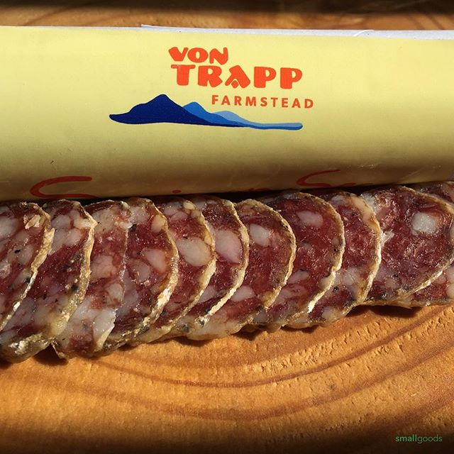 Now here's a wonderful collaboration by Vermont farmer and cheesemaker's, the von Trapp's, and local cured meats maker, Babette's Table. The protein-rich whey from their cheesemaking process goes right to the pigs which gives this Sauccison Sec an unmistakeable, earthy, creamy and decadent flavor @vontrappfarmstead @babettestable ⠀ Available this week at our San Diego market stands:⠀ .⠀ .⠀ .⠀ #pastureraised #wheyfedpigs #curedmeats #salumi #salami #charcuterie #smallgoods_⠀