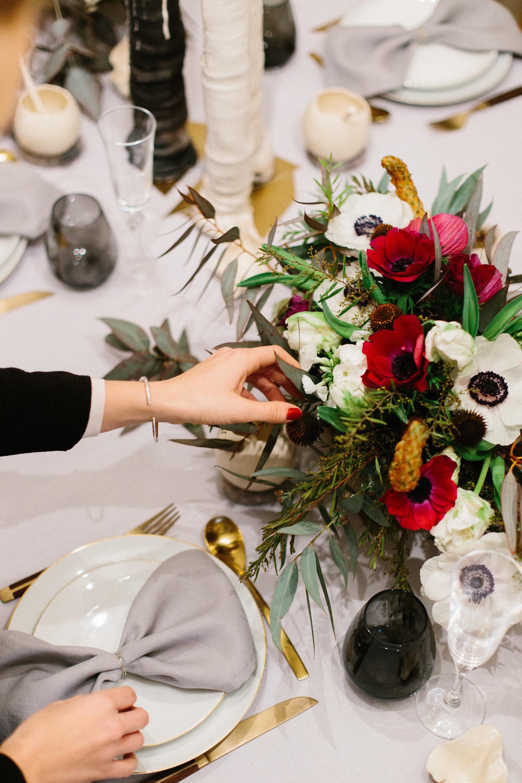 2. Floral centerpiece by Julie Guittard.jpg