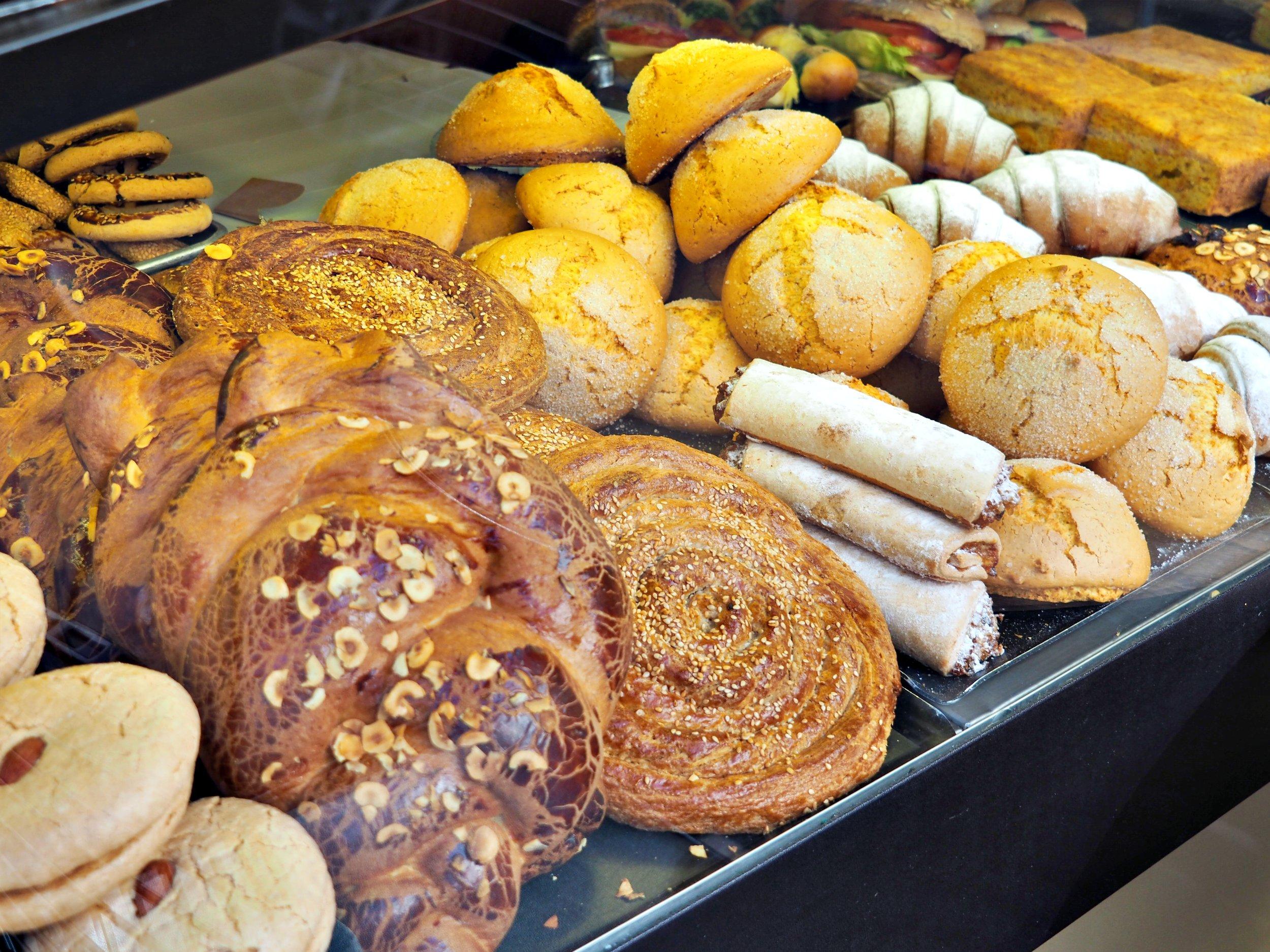 Turkish bakery kurabiye Istanbul Turkey.jpg