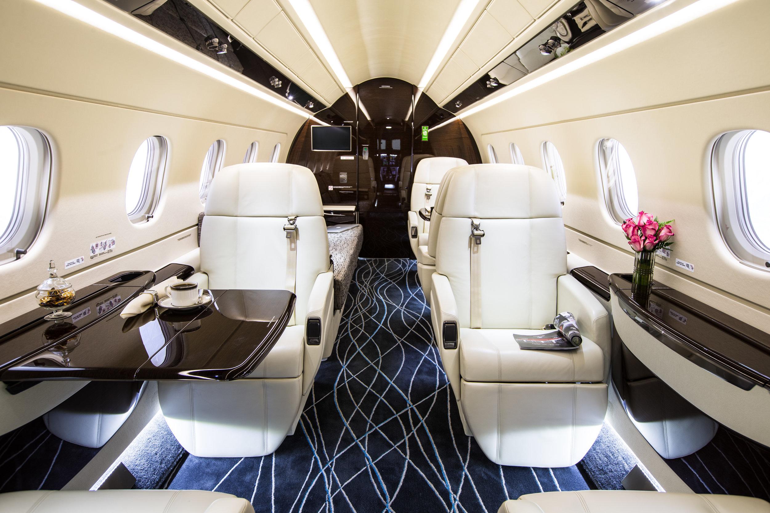 JETS PRIVÉS DERNIÈRE GÉNÉRATION   Nous veillerons à ce que vous voyagiez toujours à bord d'une flotte de qualité, constituée de jets privés dernière génération.