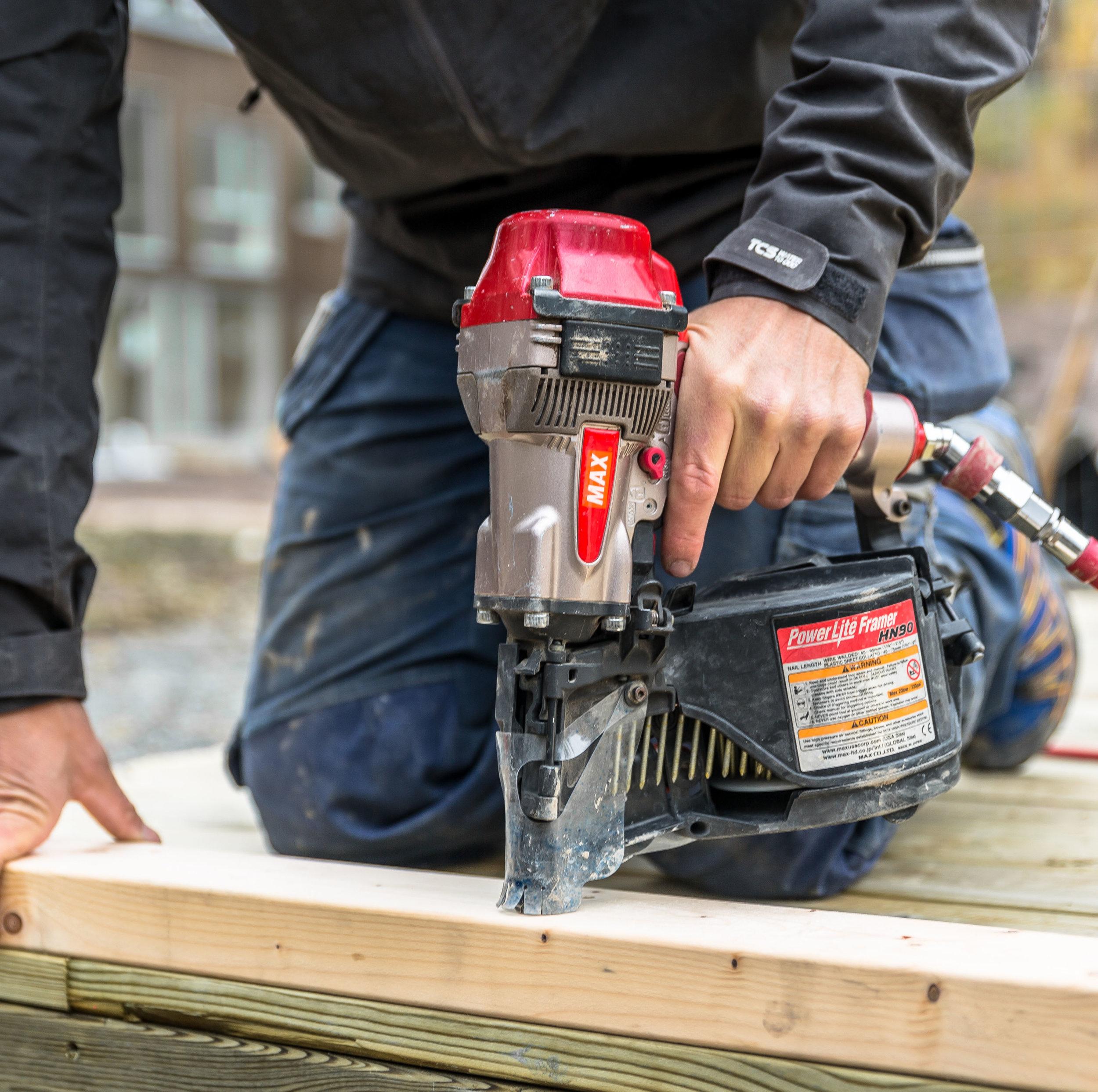 Gärds Bygg har förverkligat husdrömmar sedan 2004. - Det gör vi med engagemang, kunskap och en stark övertygelse om att medvetna val av byggnadsmaterial och konstruktion gör att människorna som bor i huset mår bättre.