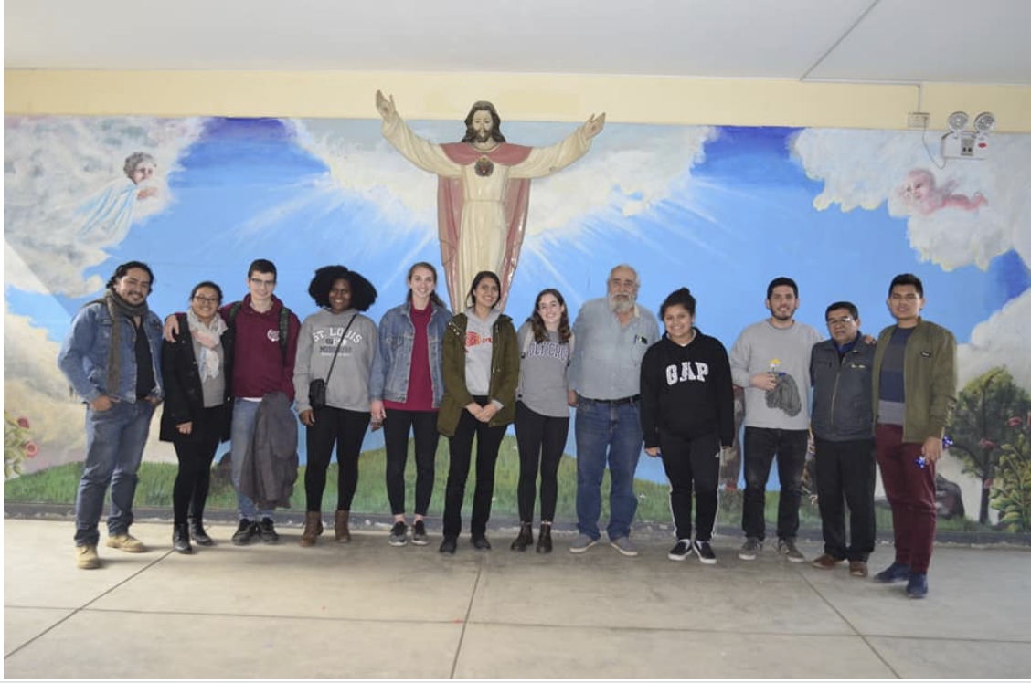Our students visited the Corazon de Jesus School with Agustin.