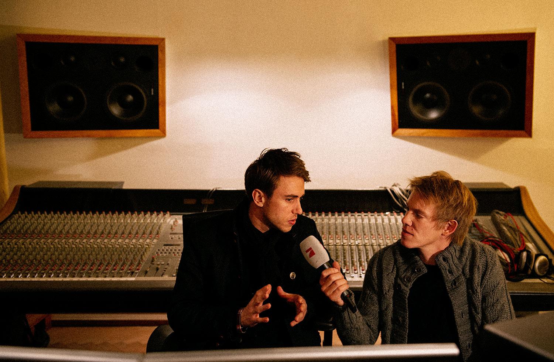 046-interviews006.jpg