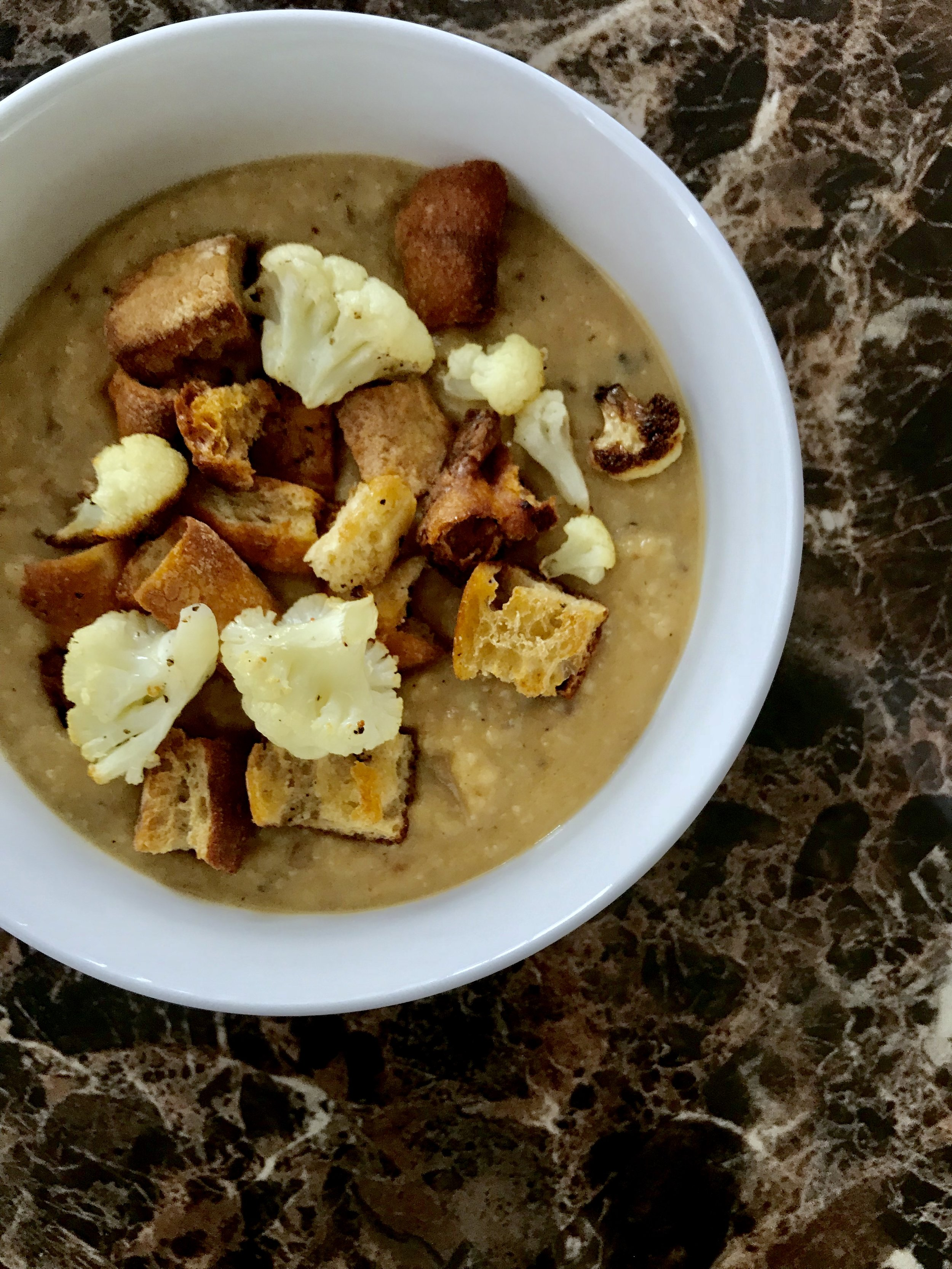 Creamy Cauliflower Soup (Plant-Based)