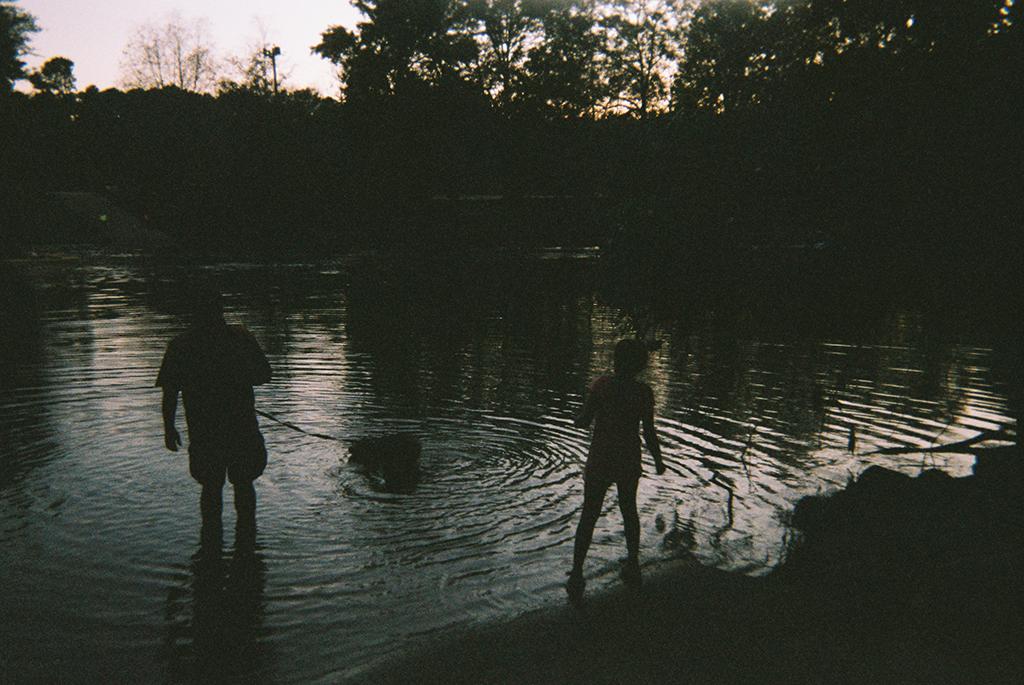 Water Shot     Reflections.      Toma de agua   Reflejos
