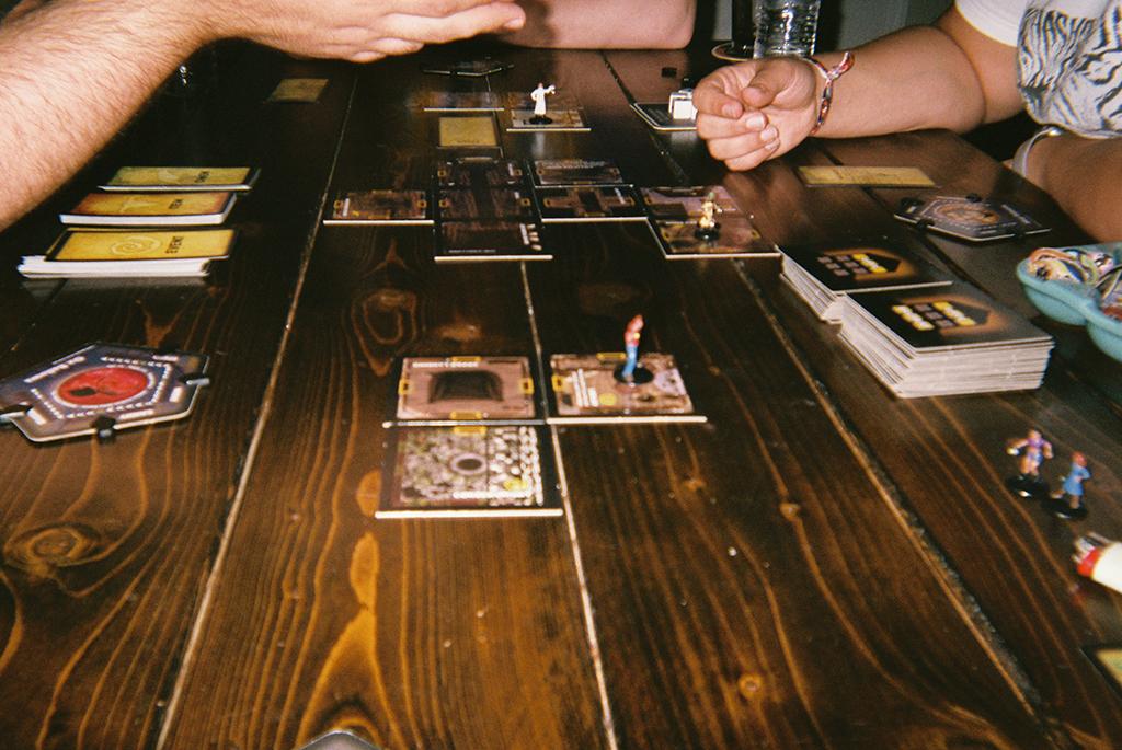 Game     The comfort of friends.      Juego   El consuelo de los amigos.