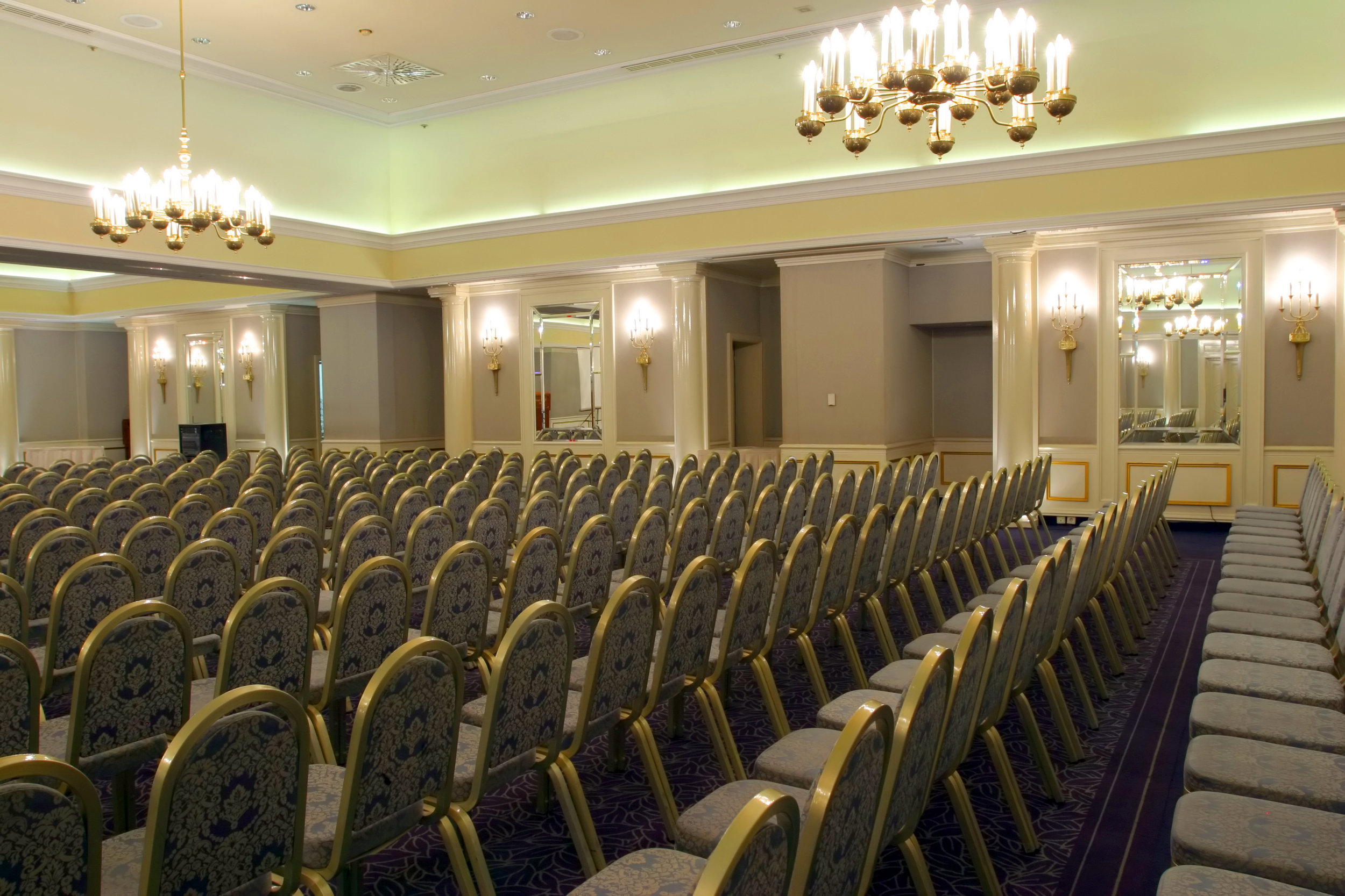 bigstock-Luxurious-conference-room-read-29021435.jpg