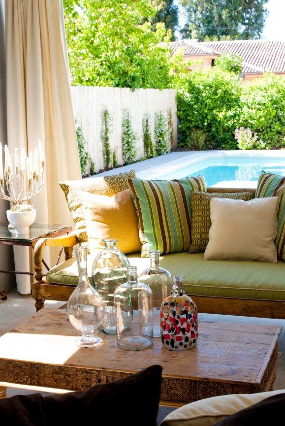 houseplay-encino-drive-livingroom-3.jpg