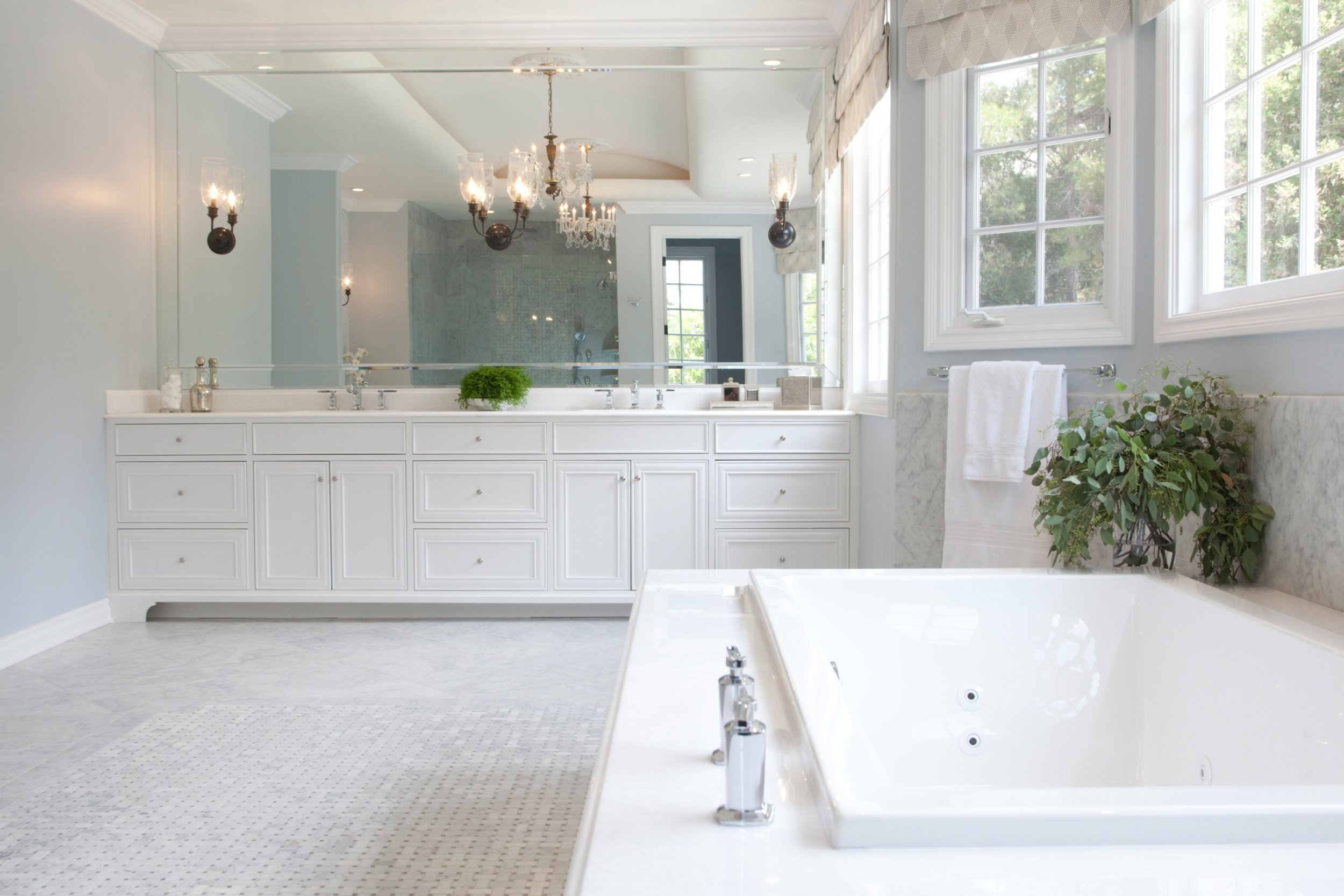 houseplay-wellesley-drive-master-bath.jpg