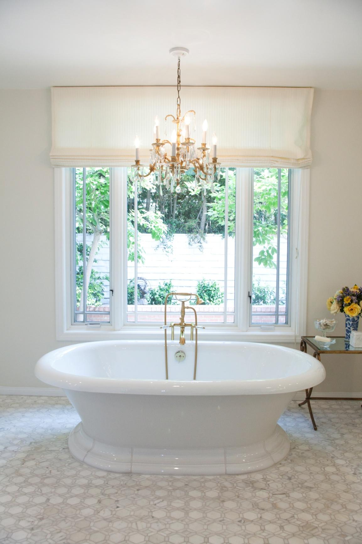 houseplay-canon-drive-master-bath.jpg