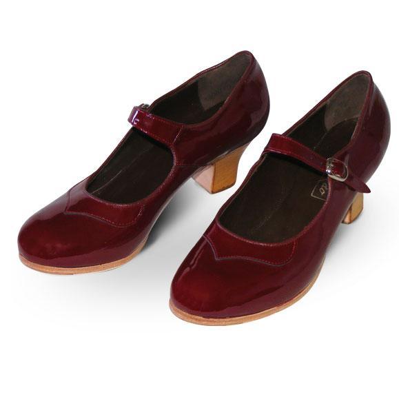Example of typical flamenco shoes - gallardodance.com