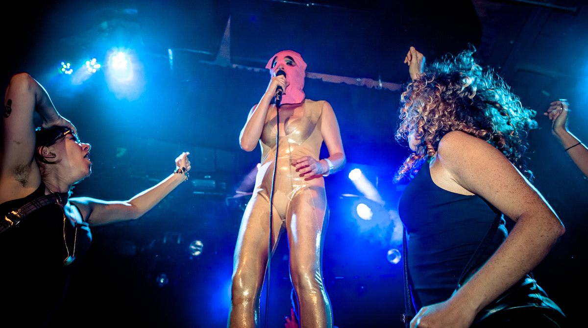 Peaches pussy riot mask live-45.jpg