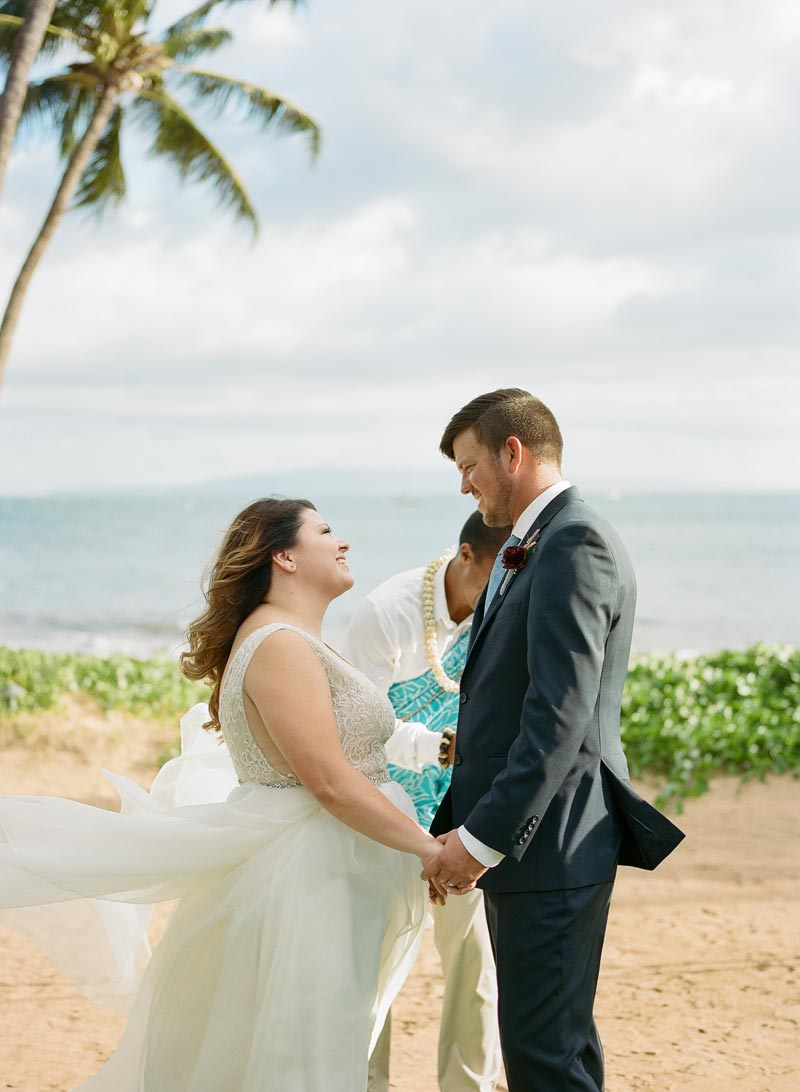 romantic-wedding-photos-destination-wedding-photographer-maui-hawaii-07.JPG