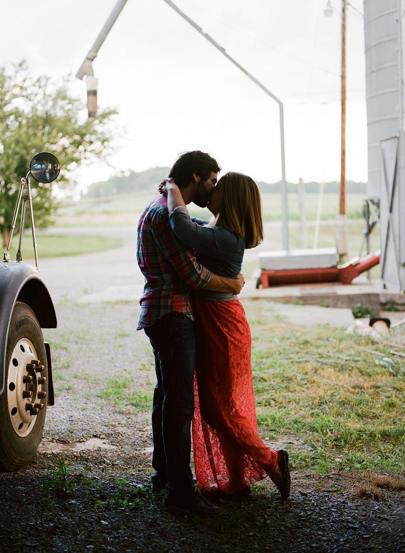 tn-farm-engagement-picture-ideas-nashville-wedding-photographer33.JPG