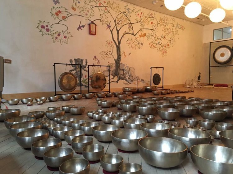 Using Therapeutic Singing Bowls for Meditation and Healing