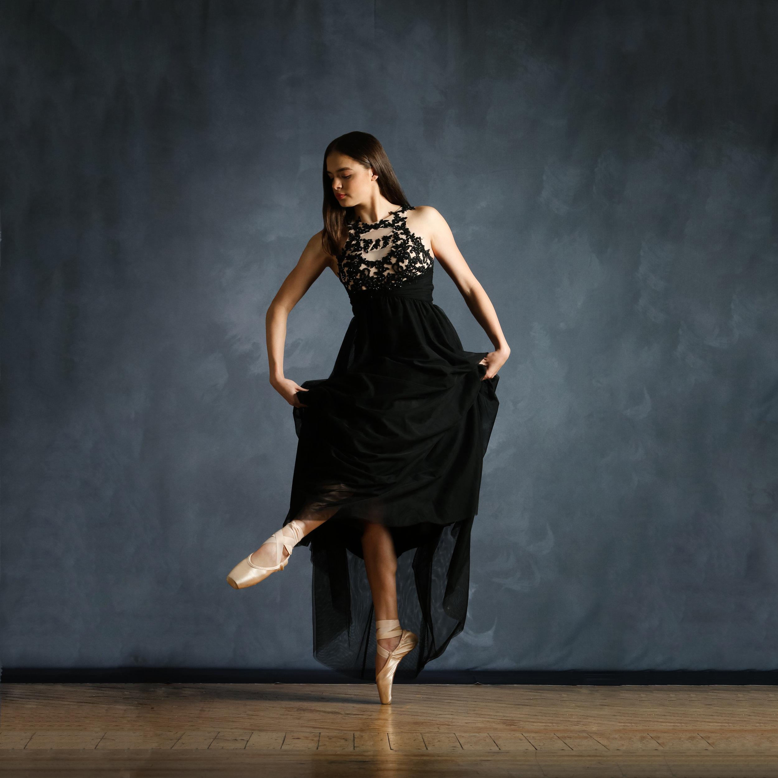 Dance0838-Edit_SQ.jpg
