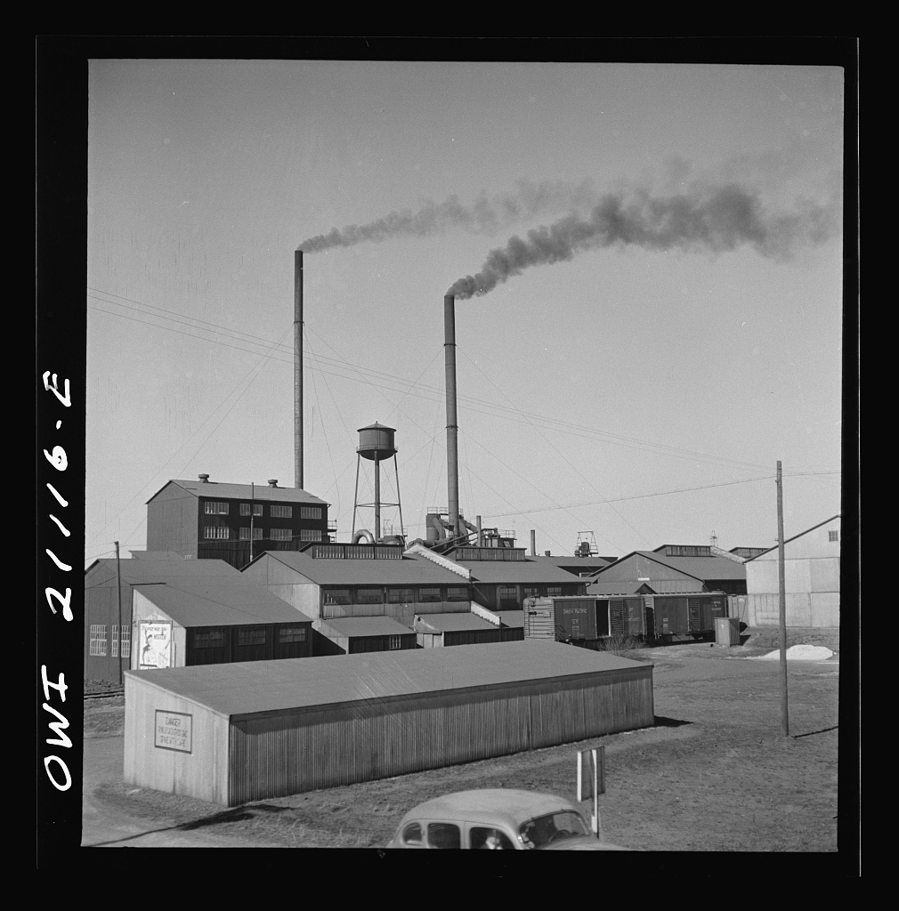 Carbon black plant in Pampa.jpg