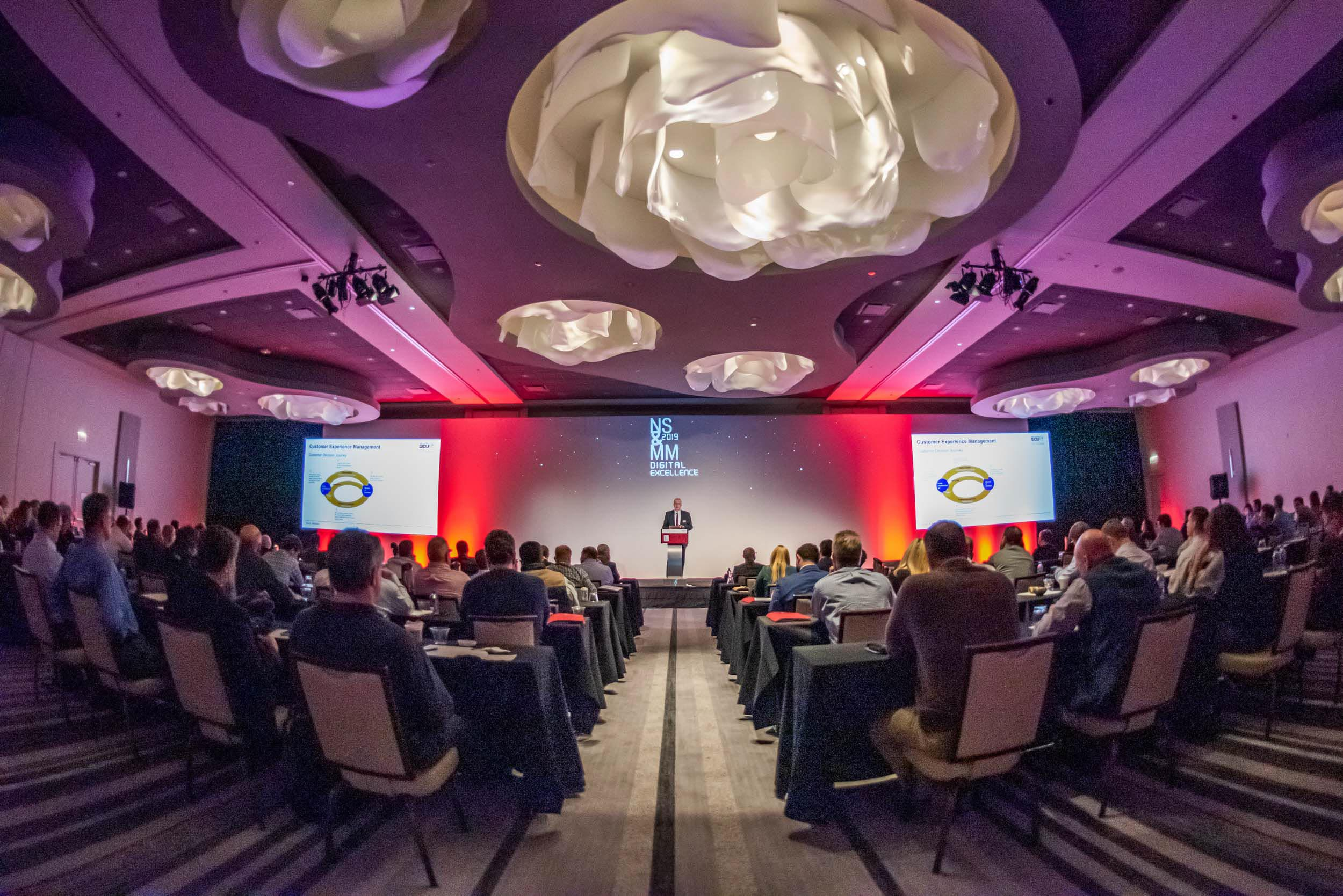 Annual Meeting - Richard Wolf's annual meeting included large-scale presentations, smaller breakout meetings, and even VR demonstrations! We were on hand to capture the action.