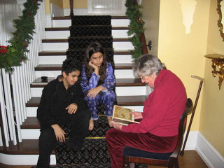 "Reading ""The Night Before Christmas"" to Nick and Jessie in Victoria, 2003"