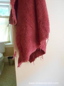 Bath towel burgundy small