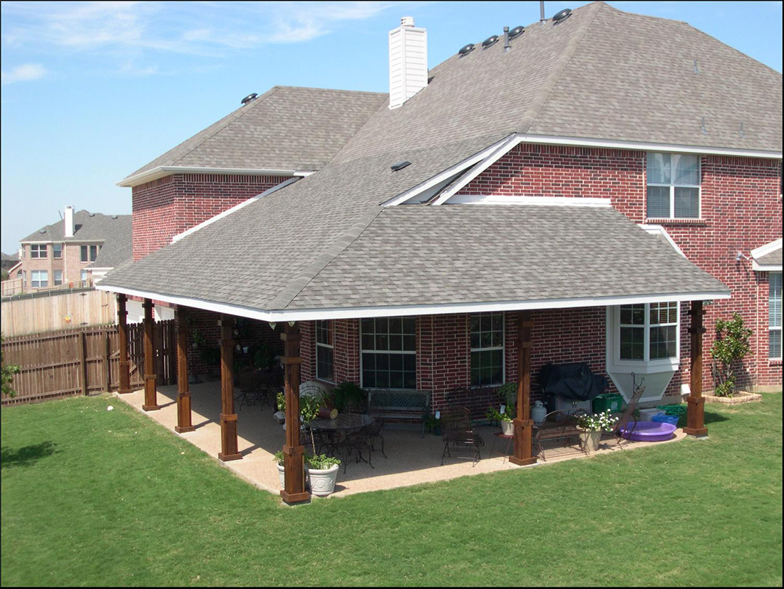 BMR pool and patio overview covered rood.jpg