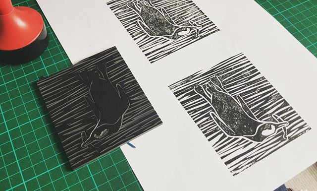 This mornings quick linocut to start the day right.  #penguin #linocut #reliefprint #lino #illustration #ink #monoprint