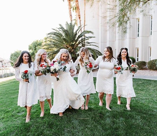 With a squad as lovely as these ladies we knew their bouquets had to match 💐