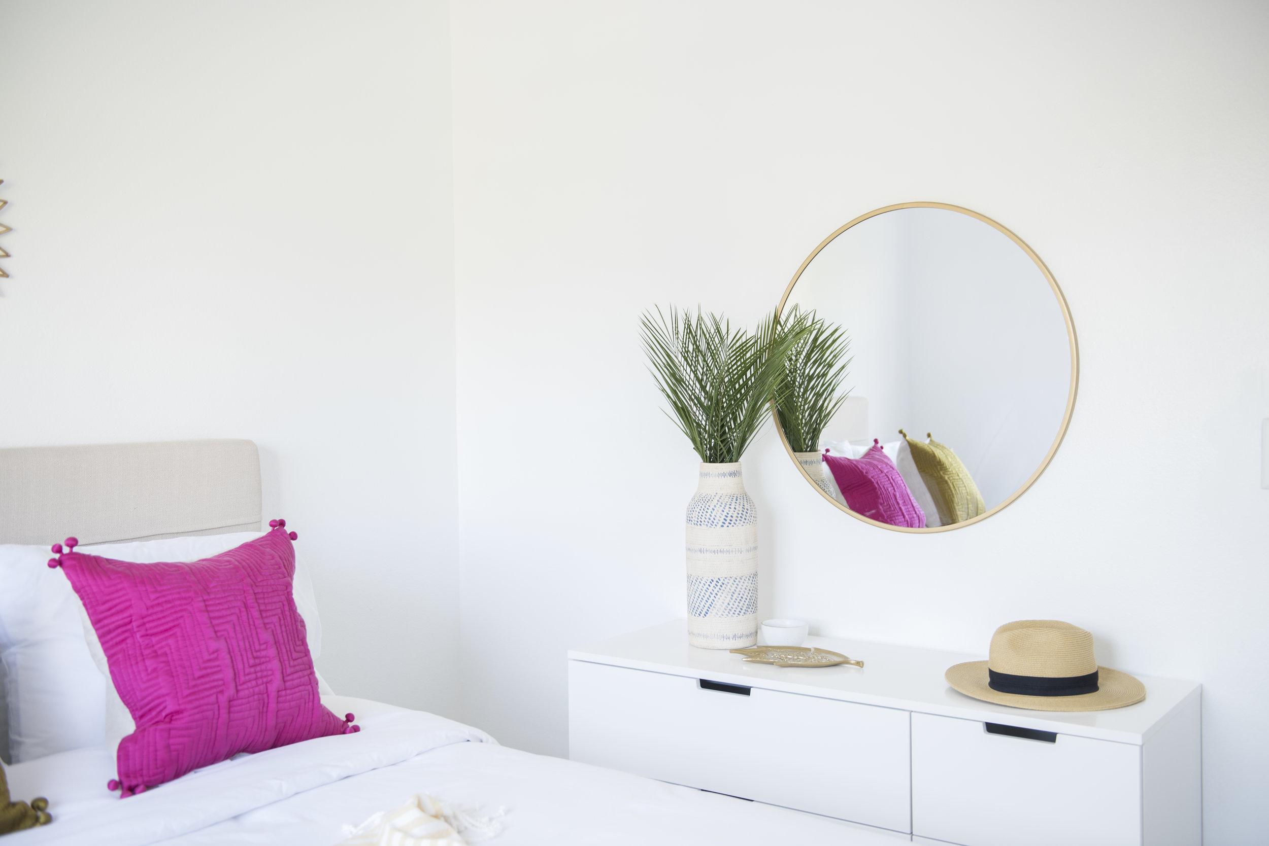 Julia Sperling Photography for Sonder Apartment in Miami 05.jpg